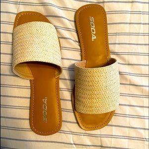 Soda sandals